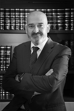 Isidro Olmos - Socio en UAT Abogados